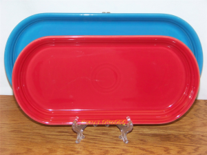 Fiesta® Large Bread Tray in Peacock - Small Bread Tray in Scarlet
