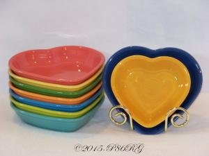 Fiesta® Heart Bowl Comparison