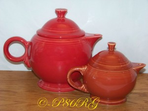 Fiesta® Teapot Comparison - Large in back in Scarlet - 2 cup in front in Paprika